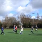 Voetballen in het park