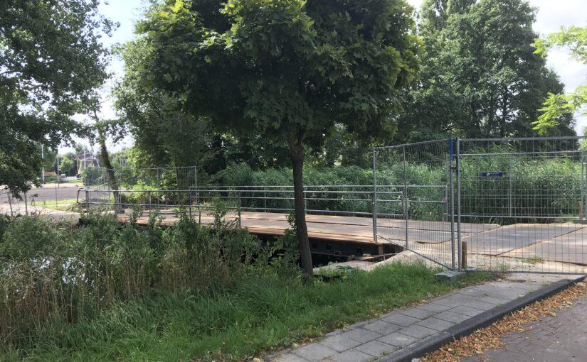 Gemeente 'betreurt' de gang van zaken rond noodbrug Roomburg